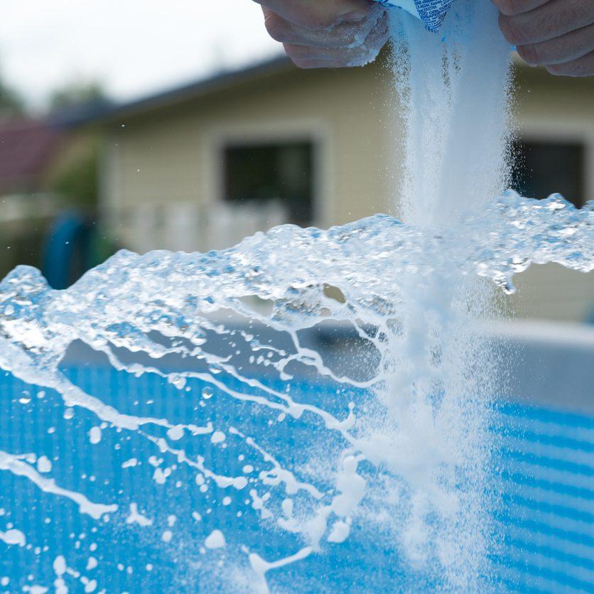 Pool salt. saltwater pool vs chlorine