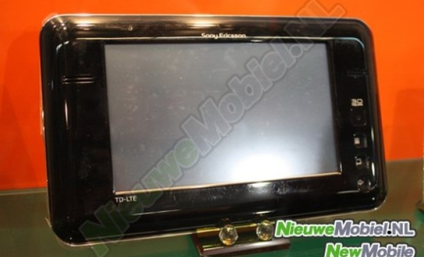 El horrible prototipo de tablet LTE de Sony Ericsson