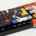 Un teclado para ordenador hecho mayormente con LEGO