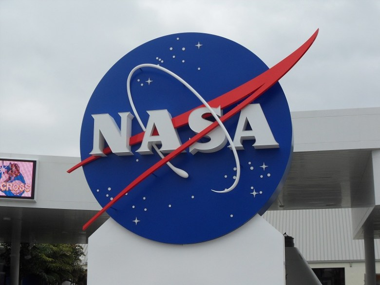 NASA Logo, entrada  Kennedy Space Center