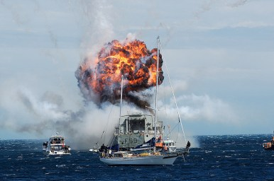 HMNZS Wellington Scuttle new reef cool explosion 3