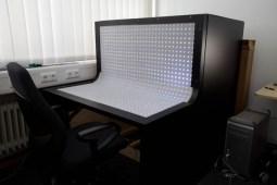 benddesk-concept-workstation-computer-desk-no-user