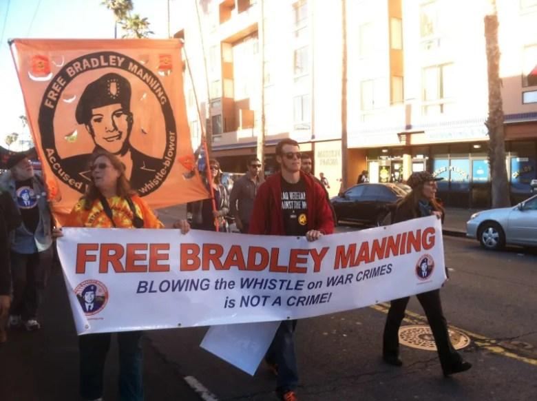 Protestas Juicio al soldado bradley manning