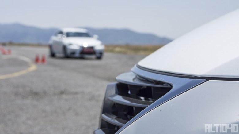 Lexus IS300h