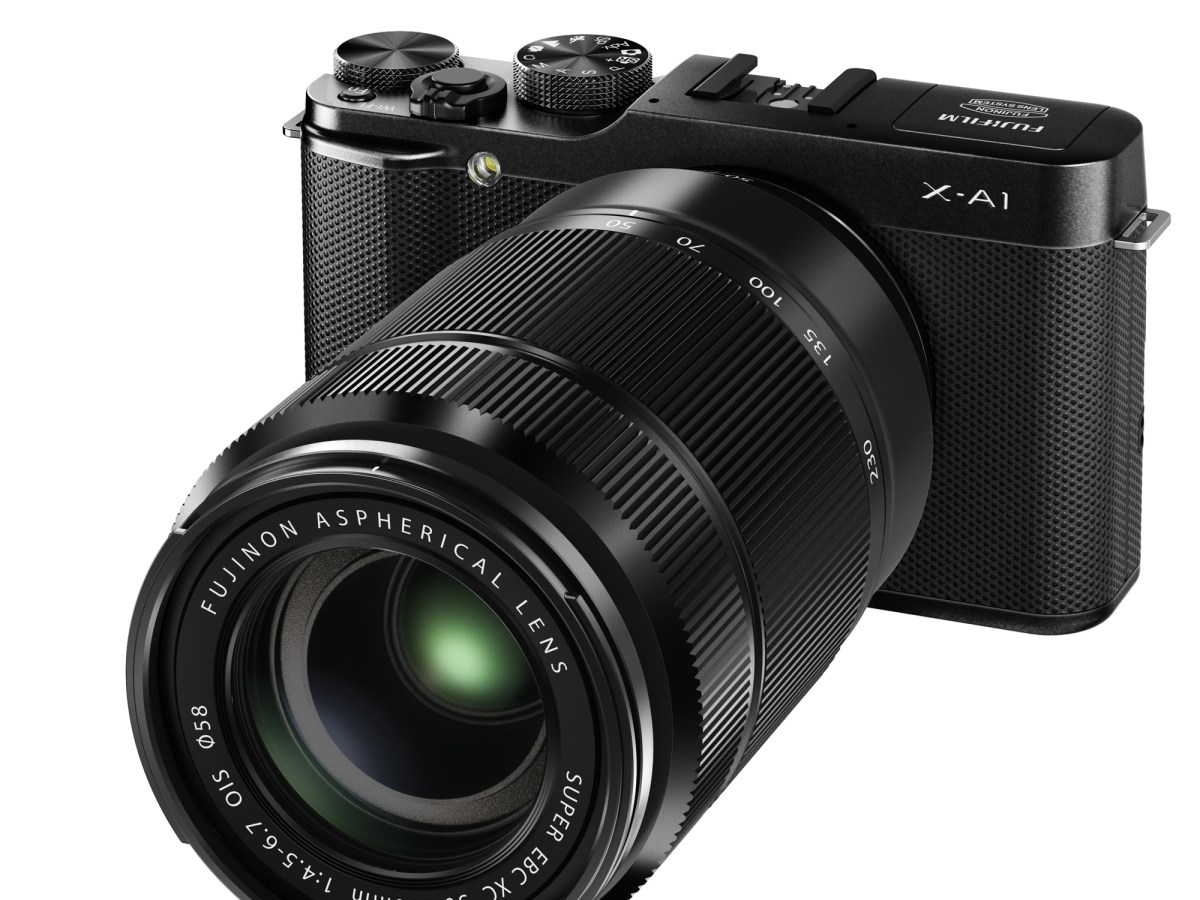 X-A1_Black_Front_Left_50-230mm