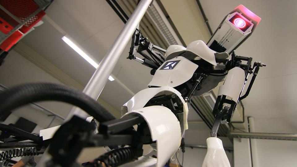 Robots que bailan lap dance