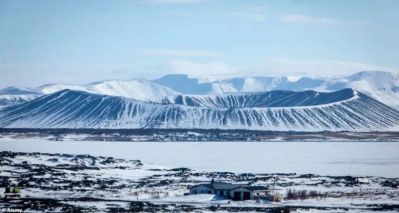 Foto: Alamy // Lago Myvatin, Islandia - El norte más allá del muro