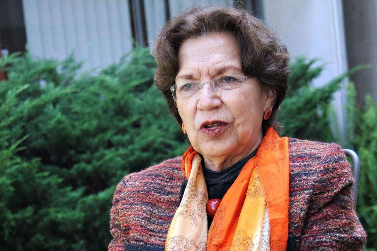 Dra. Silvia Torres
