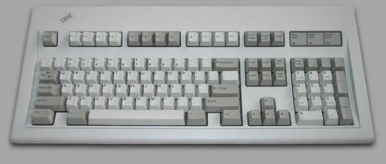IBM Model M, por muchos considerado el mejor teclado del mundo.