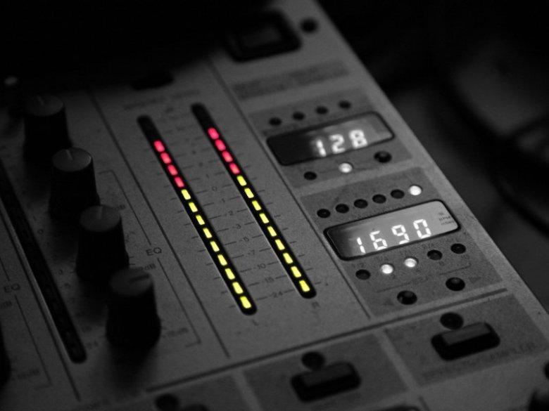 light_black_and_white_music_sound_dj_panel_800x600