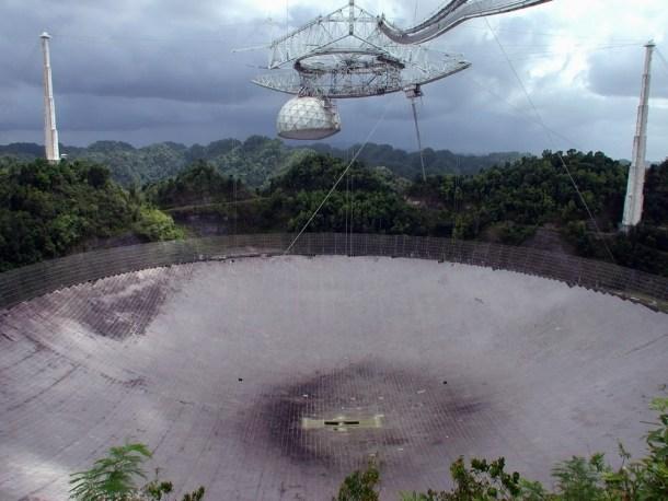 Radiotelescopio de Arecibo  / Shutterstock