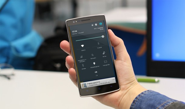 Con GravityBox puedes modificar ajustes de manera similar a CyanogenMod 12S