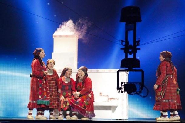 Spidercam en la actuación de las simpáticas ancianas rusas, en 2012