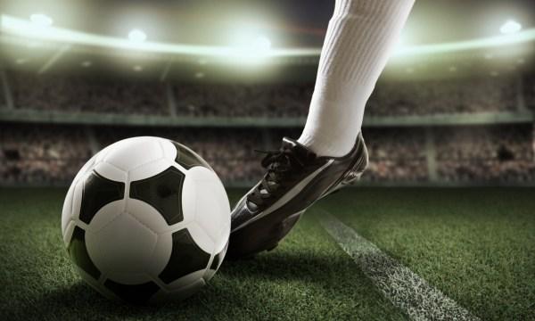 """Fútbol: renovarse tecnológicamente o """"morir""""."""