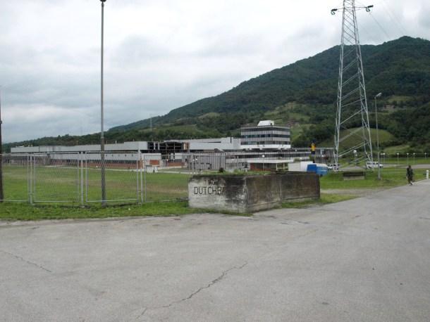 Cuartel general del Dutchbat, el cuerpo de avanzada holandés en Srebrenica. <a href=