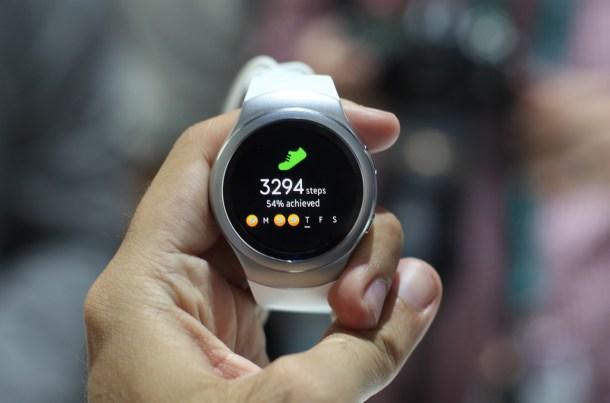 H Samsung Gear S2 12