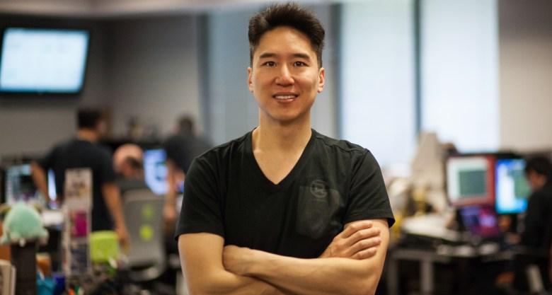 Dennis 'Thresh' Fong, el primer jugador profesional de los videojuegos y pieza fundamental del auge de las competiciones de videojuegos FPS. / Uriel Espinoza