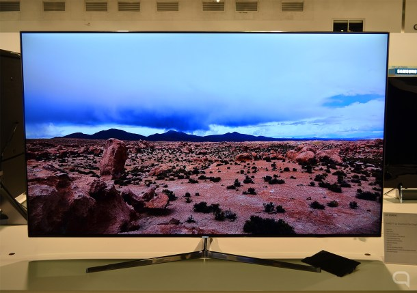 Samsung aún te deja elegir TVs planas con su serie 8000.