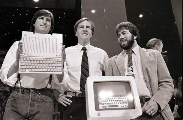 Steve Jobs, John Sculley y Steve Wozniak.