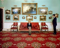 Fiona Woolf, Lord Mayor de la City de Londres. El área financiera londinense alberga a más 500 bancos de todo el mundo. Con una población residente de 8.000 personas, en la City trabajan casi 400.000.