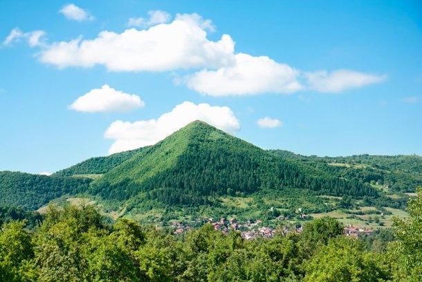 roca esférica de bosnia