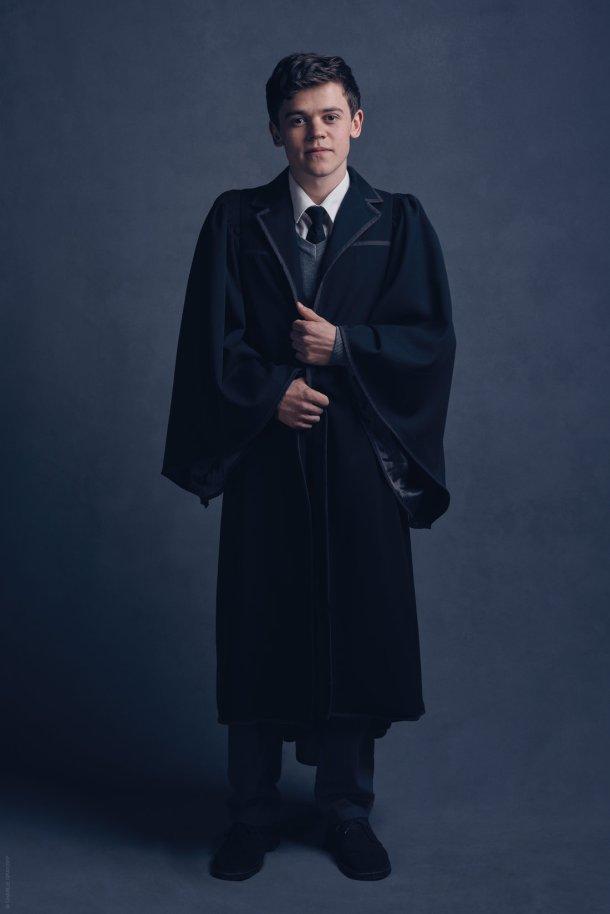 Sam Clemmett como Albus Potter. <a href=