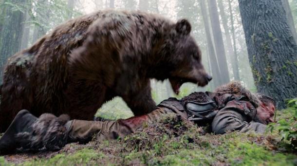 Hugh Glass se empieza a ver como un cobarde. © Twentieth Century Fox Film