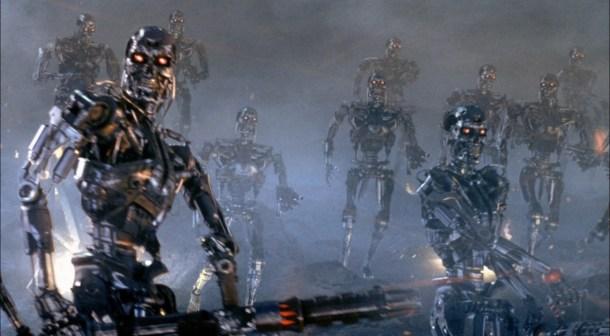"""""""Año 2031: todos los S7 han explotado, ahora solo quedan ellos"""". Warner Bros"""