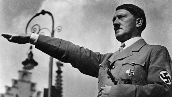 Y si la teoría de los infinitos mundos paralelos es correcta. Significa que existe un universo en el que Hitler ideó la cura para el cáncer.