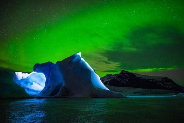 Fotógrafo: Tim Kemple Red Bull Illume 2016. Categoría: creatividad nueva. Atleta: Rahel Schelb. Ubicación: Islandia.