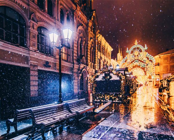 magic-time-in-moscow-5847d9ef171be__700