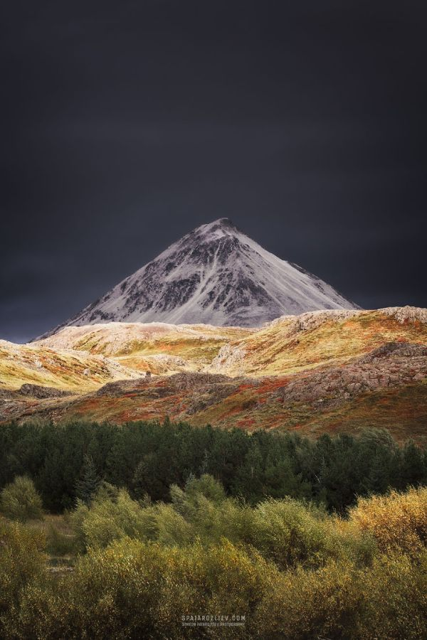 two-month-journey-in-iceland-hitchhiking-camping-and-photographing-some-of-the-most-serene-landscapes-i-have-ever-seen-5856b1df47c0a__880