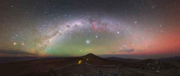 Yuri Beletskty, Observatorio del Cerro Paranal, situado en el desierto de Atacama, Chile. Toma realizada el 19 de septiembre