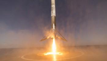 Falcon 9 SpaceX Rusia