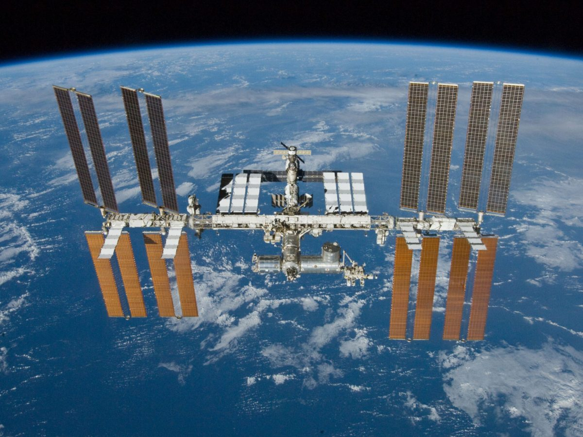bacterias del espacio, fallos en la Estación Espacial Internacional, averías en la Estación Espacial Internacional, Rusia Estacion Espacial Internacional