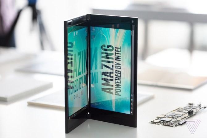 Dispositivo plegable de Intel