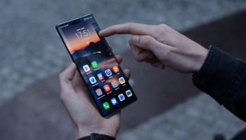 Subir o bajar volumen en el Huawei Mate 30 Pro