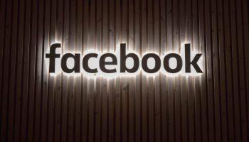 modo oscuro de facebook