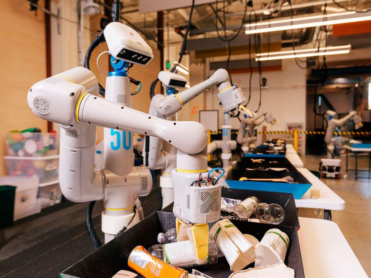 Everyday Robots, Alphabet X Google