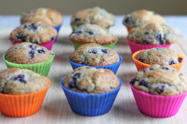 Lemon Blueberry Muffins   HipFoodieMom.com