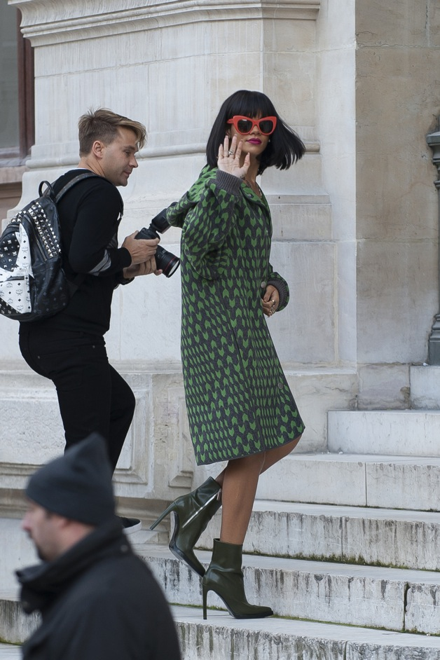 Rihanna arrives to the Stella Mc Cartney fashion show during the Paris Fashion Week