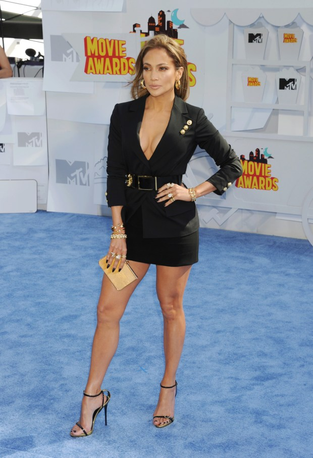 Actress/singer Jennifer Lopez arrives at the 2015 MTV Movie Awards at Nokia Theatre in Los Angeles