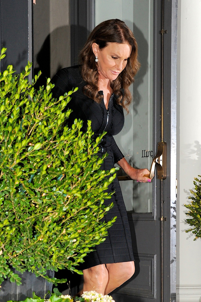 139391, Caitlyn Jenner seen leaving Tutto il Giorno Restaurant in Tribeca, NYC. New York, New York - Monday June 29, 2015. Photograph: © RGK, PacificCoastNews. Los Angeles Office: +1 310.822.0419 sales@pacificcoastnews.com FEE MUST BE AGREED PRIOR TO USAGE