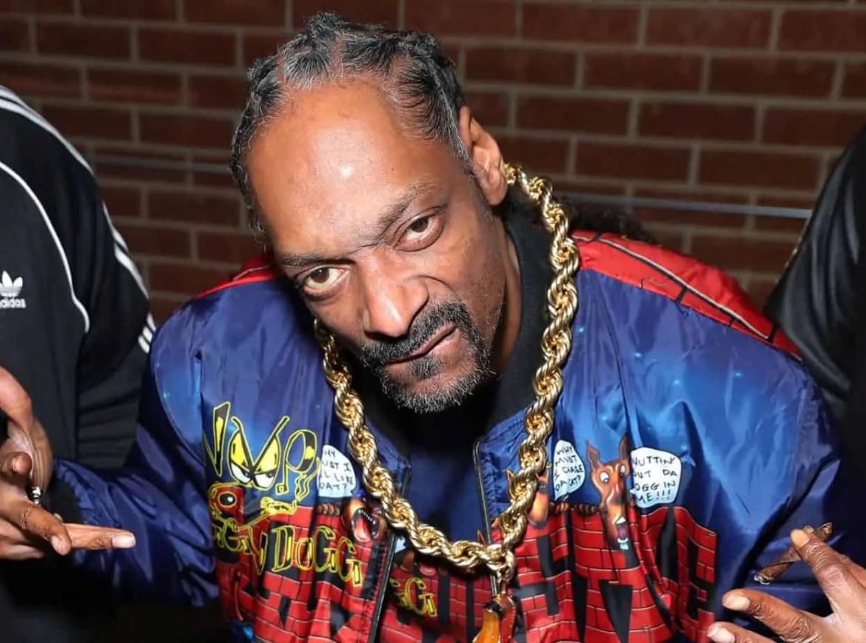 "Snoop Dogg Reveals Cover Art & Release Date For His 19th Studio Album "" Algorithm"""