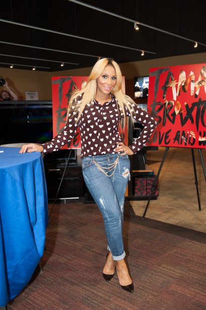 Tamar poses for a pic