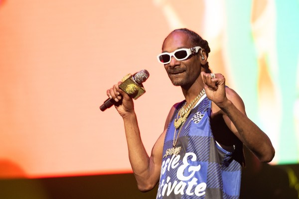 the-brodie-lee-tribute-show-may-affect-aew-using-snoop-dogg