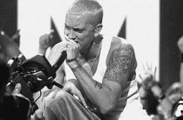 Le rappeur de Detroit a teasé sur Instagram une courte vidéo qui laisse présager une surprise à l'occasion de l'anniversaire de The Eminem Show