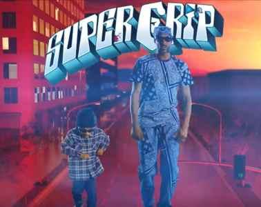 Snoop Dogg renoue avec ses racines de G dans le clip de Super Crip