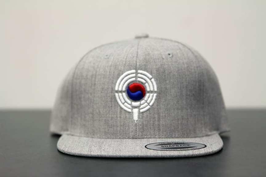 gray snapback - front