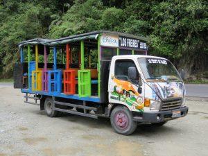 chiva toeristenbus banos Ecuador